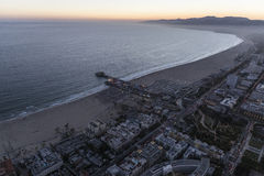 Santa Monica Pacific Ocean Night Aerial Lizenzfreies Stockbild