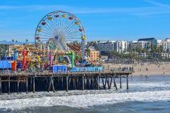 Santa Monica Pier en Ferris Wheel royalty-vrije stock afbeeldingen