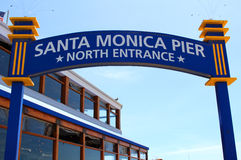 Santa Monica Pier North Entrance Stock Afbeeldingen