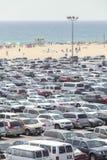 Santa Monica Pier parkering som fylls med bilar Fotografering för Bildbyråer