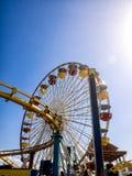 Santa Monica pir Ferris Wheel i Kalifornien USA royaltyfri foto