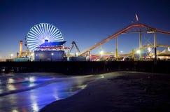 Santa Monica pir på natten Royaltyfria Foton