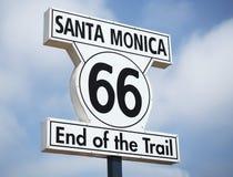 Santa Monica 66 slut av slingatecknet på Santa Monica Pier - Santa Monica, Los Angeles, LA, Kalifornien, CA Royaltyfri Fotografi