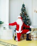 Santa nella casa fotografia stock