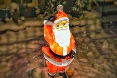 Santa nella neve Fotografie Stock Libere da Diritti
