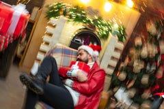 Santa pijący Bożenarodzeniowy świętowanie wakacje Nowego roku przyjęcie obraz royalty free