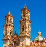 Santa Prisca kyrka i Taxco, Mexico arkivfoto