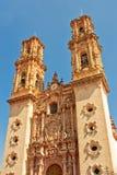 Santa Prisca kyrka i Taxco, Mexico fotografering för bildbyråer