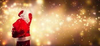 Santa que aponta no céu fotos de stock royalty free