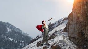 Santa recherchant la manière Media mélangé Images libres de droits