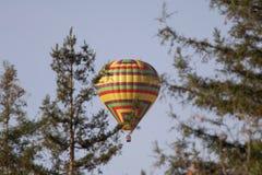Santa Rosa, Kalifornia jest wielkim miastem w Kalifornia ` s Redwood imperium, wino kraju i Północnej zatoce, - lotniczy balon zdjęcie stock