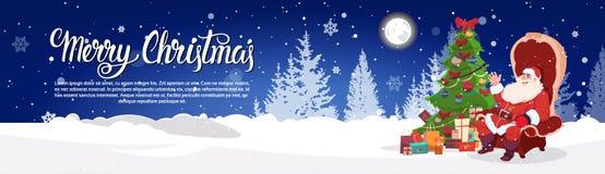 Santa Sitting In Armchait In-Winter-Forest Near Christmas Tree Gift-Kasten-horizontales Fahnen-frohe Feiertage Plakat-Design Lizenzfreie Stockfotografie