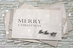 Santa sur le papier chiffonné, concept de Noël Images libres de droits