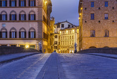 Santa Trinita Bridge in Florenz bei Sonnenaufgang Italien Stockbild