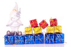 Santa y los presentes Imagenes de archivo