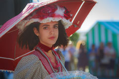 SANTANDER, ESPANHA - 16 DE JULHO: A menina não identificada, vestida do traje de período em uma competição do traje comemorou no  Imagem de Stock