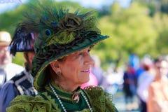 SANTANDER SPANIEN - JULI 16: Den oidentifierade kvinnan som kläddes av perioddräkten i en dräktkonkurrens, firade i Juli 16, 2016 Royaltyfri Foto