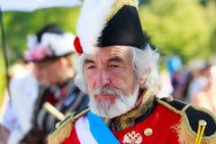 SANTANDER, SPANIEN - 16. JULI: Nicht identifizierter Mann, gekleideter Admiral in einem Kostümwettbewerb feierte herein am 16. Ju Stockbilder
