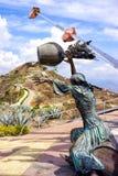 Santandereanidad纪念碑的妇女雕塑在Panachi在桑坦德,哥伦比亚 免版税库存照片