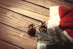 Santas hatt och filial Arkivbild