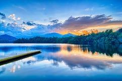 santeetlah озера в больших закоптелых горах Северной Каролине Стоковая Фотография