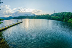 santeetlah do lago em grandes montanhas fumarentos North Carolina fotos de stock royalty free