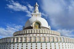 Santhi-stupa lizenzfreie stockbilder