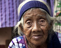 Schöne ältere Mayafrau Stockfotos