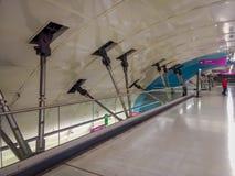 SANTIAGO, CHILE - 14. SEPTEMBER 2018: Innenansicht von Details des Baus nach innen des Bahnhofs in Linie 6 geöffnet lizenzfreie stockfotos