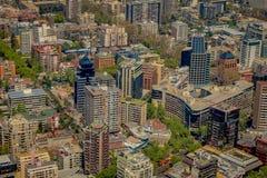 SANTIAGO, CHILE - 13. SEPTEMBER 2018: Schöne Ansicht im Freien der Santiago-Stadtlandschaft von Costanera-Mitte an herein lizenzfreie stockfotografie