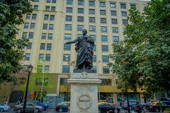 SANTIAGO CHILE, WRZESIEŃ, - 14, 2018: Diego Portales statua przy losu angeles Moneda kwadratem z widocznym dziura po kuli od wycz obrazy royalty free