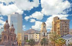 Santiago de Chile im Stadtzentrum gelegen Stockfotos