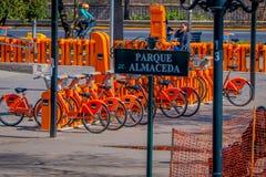 SANTIAGO-DE CHILE - 9. OKTOBER, 201: Ansicht im Freien der Fahrradfahrradstation in Santiago, Chile lizenzfreies stockbild
