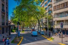 SANTIAGO-DE CHILE, CHILE - 16. OKTOBER 2018: Ansicht im Freien von Autos in den Straßen der Stadt von Santiago von Chile lizenzfreies stockbild