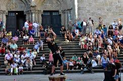 Santiago DE Compostela, Spanje Augustus 2018 Kathedraal en brandeter De zomerfestival, Platerias-voorgevel stock foto
