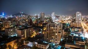 Santiago en el cambio de la inclinación de Timelapse de la noche