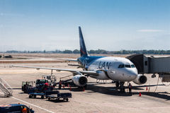 Santiago font l'aéroport LAN Airlines du Chili Photographie stock libre de droits