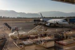 Santiago hace el aeropuerto LAN Airlines de Chile fotografía de archivo libre de regalías