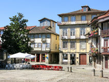 Santiago kwadrat w Guimaraes, Portugalia Obrazy Stock