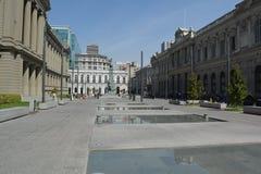 Santiago - opinião da rua no dia de verão imagem de stock