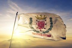 Santiago prowincja republiki dominikańskiej flaga tkaniny tekstylny sukienny falowanie na odgórnej wschód słońca mgły mgle fotografia royalty free