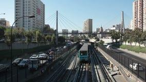 Santiago van de Metro van Chili stock footage