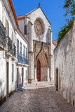 Santo Agostinho da Graca-Kirche, gesehen von einer der alten Straßen von Santarem 14. und 15. Jahrhundert Lizenzfreie Stockbilder