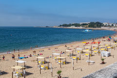 Santo Amaro海滩在Oeiras,葡萄牙 免版税库存图片