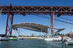 Santo Amaro dok, Lisbon, Portugalia: częściowy widok Obraz Royalty Free