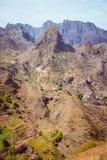 Santo Antao-eiland, Kaapverdië Verbazende reusachtige onvruchtbare bergrots in dor klimaatlandschap stock foto's