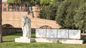 Santo Catharina de Siena cerca del ` Ángel, Roma, Italia de Castel Sant fotos de archivo