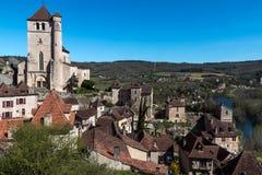 Santo Cirq Lapopie en el departamento de la porción, pueblo francés Fotografía de archivo