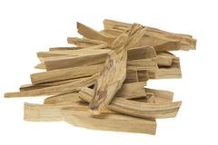 Santo de Palo ou varas de madeira santamente no fundo branco Imagem de Stock