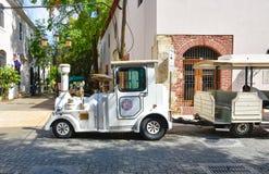 Santo Domingo Dominikanska republiken Chu Chu Colonial är ett drev som framlägger i minut 45 den koloniala staden av Santo Doming Royaltyfria Bilder